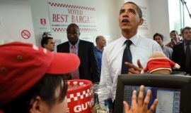 El expresidente Barack Obama, en un restaurante Five Guys (Getty images)