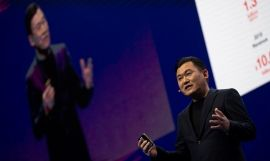 Mickey Mikitani en el Mobile World Congress / EFE