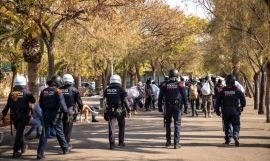 Guardia Urbana y Mossos en el operativo anti top manta / GUARDIA URBANA