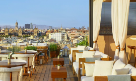 Terraza de The Roof / THE ROOF