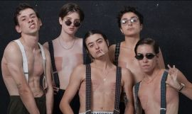 El equipo de Queer That, 'drag kings' en Barcelona / ANA PRADO