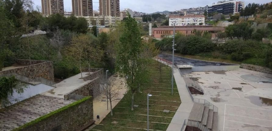 Parque dels Torrents totalmente vacío