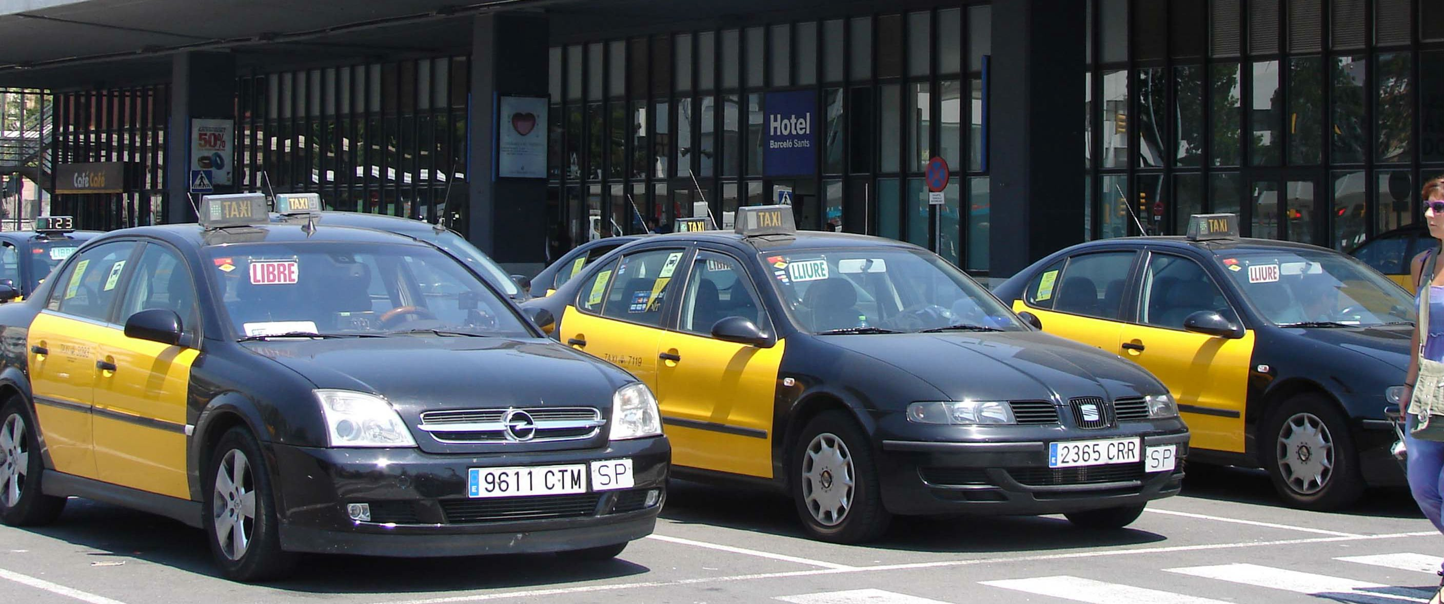 Taxis en la estación de Sants / STAC