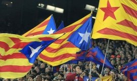 Banderas independentistas en el Camp Nou
